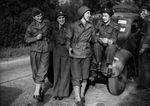 ATS & WAC richting Parijs november 1944